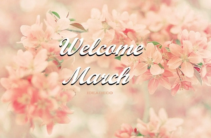 Welcome Spring and Hello March. We love Spring flowers at IdeaDeco.